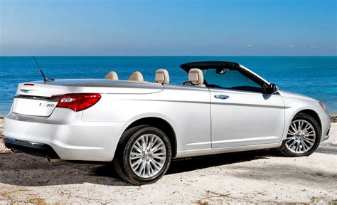 Chrysler 200 Convertible 2011 by 2011 Chrysler 200 Convertible Photo 14 10288