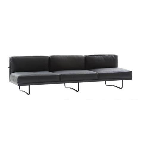canap lc2 le corbusier le corbusier lc5 3 seater sofa cassina ambientedirect com