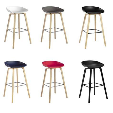 table haute pour cuisine avec tabouret tabouret de bar 65 cm design en image