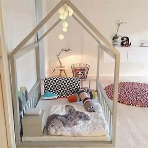 Lit Maison Fille : lit cabane enfant cocoeko ~ Teatrodelosmanantiales.com Idées de Décoration