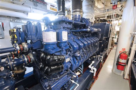 Small But Powerful Engines by Large Diesels Of The World 10 000 Diesel Horsepower Mtu