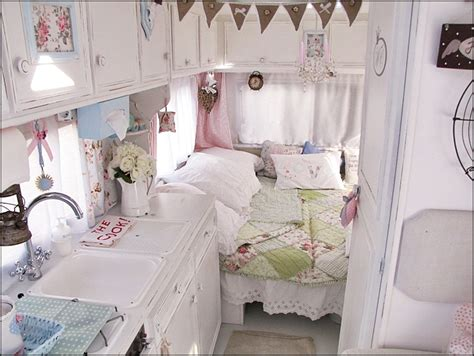decorate camping  vintage chic style