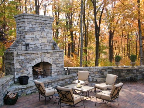 Outdoor Fireplaces : Outdoor Decorating Ideas