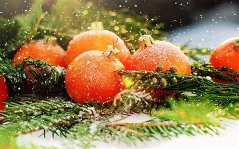 New Year, Snow, Christmas Ornaments, Leaves Wallpapers Hd