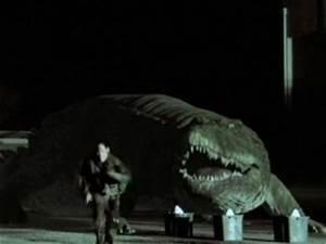Mega Shark vs Crocosaurus (2010) - Rotten Tomatoes