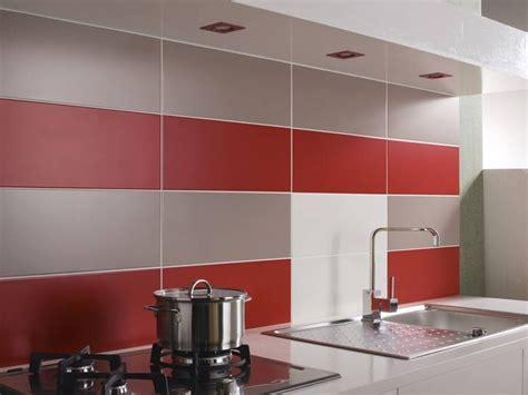 cr馘ences de cuisine decoration carrelage mural cuisine maison design bahbe com