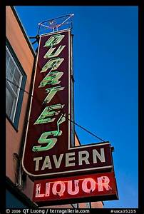 Picture Neon sign for Duarte Tavern Pescadero San