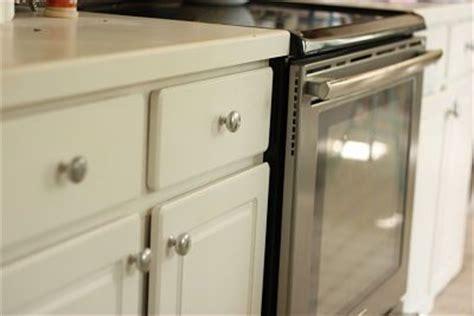 spray paint cabinet hinges spray paint brass kitchen knobs spray paint kitchen