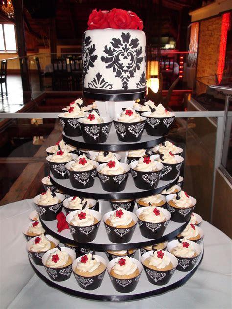 damask cake red roses cupcake cakecentralcom