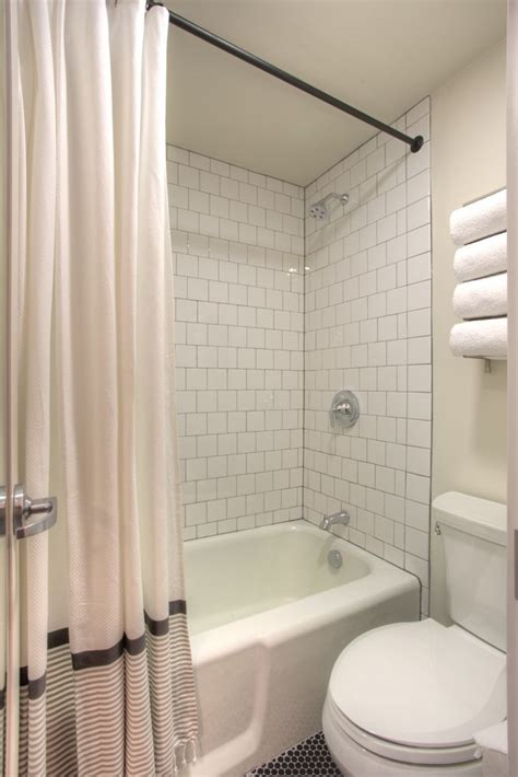 hotel durant white 4x4 tile with gray grout black