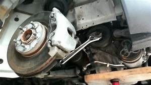 Volvo S40 Removing Harmonic Balancer