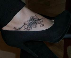 Tattoo Auf Dem Fuß : marc s bl te auf fu tattoos von tattoo ~ Frokenaadalensverden.com Haus und Dekorationen
