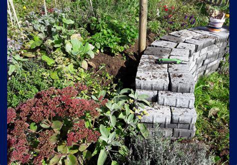 pflanzen für trockenmauer trockenmauer anlegen und bepflanzen garteneuphorie