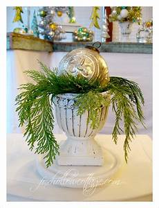decorating, with, urns, , christmas, edition