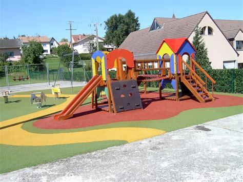 revetements pour aires de jeux tous les fournisseurs revetements pour aires de jeux sol