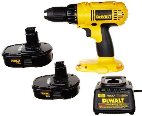 dewalt dck   volt drilldriver kit review