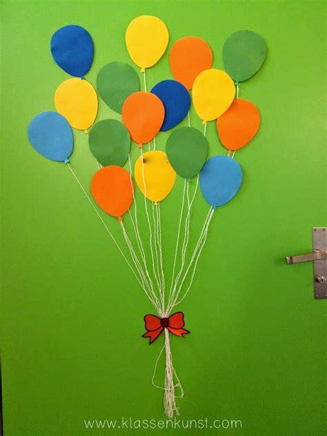 tuerdekoration ballons klassenkunst
