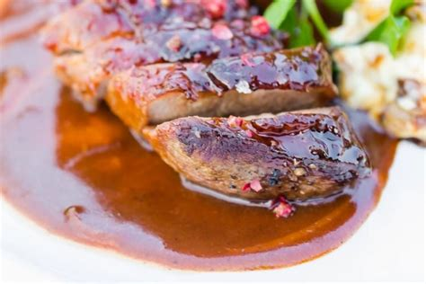cuisiner magret recette de magret de canard au miel d 39 accacia et aux épices
