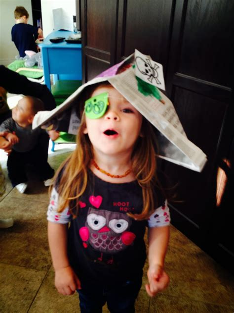 recycled treasures     newspaper pirate hat