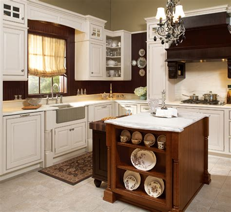 maple kitchen islands wellborn cabinets cabinetry cabinet manufacturers