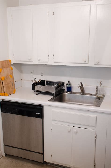 renters kitchen makeovers inexpensive rental kitchen makeover thou swell 1857
