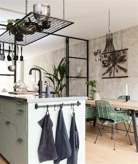 buffet de cuisine noir cuisine industrielle l 39 élégance brute en 82 photos exceptionnelles