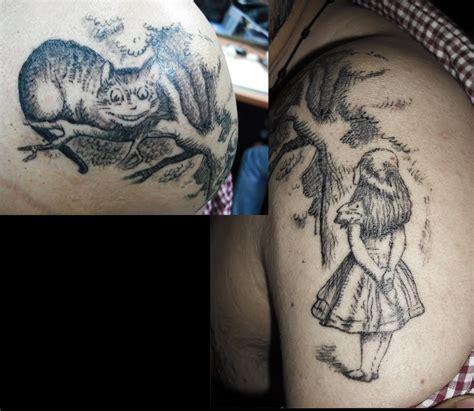 mejores tatuajes: alicia en el pais de las maravillas