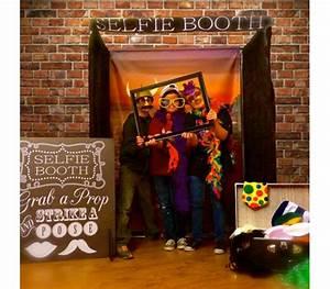 Selfie Booth - Hart Entertainment