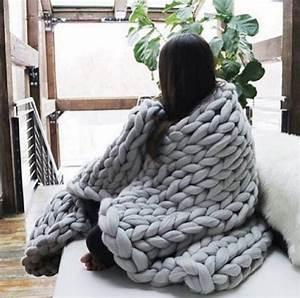 Tricoter Un Plaid En Grosse Laine : ce plaid en tricot va vous donner envie d 39 hiberner tout l 39 hiver ~ Melissatoandfro.com Idées de Décoration