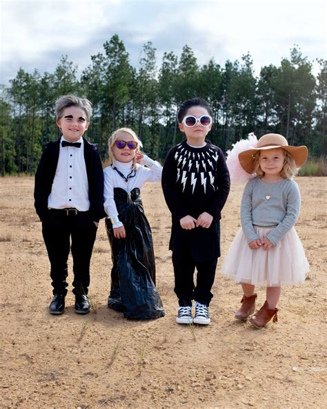 Mom DIYs Schitt's Creek Costumes For Kids | POPSUGAR Family