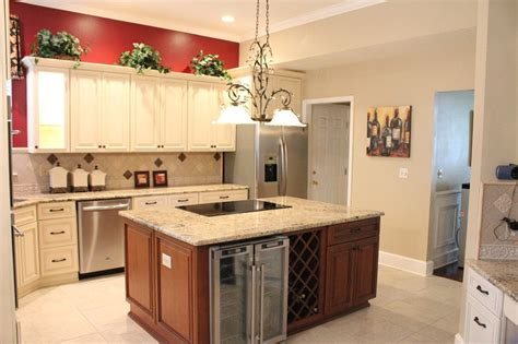 ivory kitchen cabinets what colour countertop fabuwood cabinetry wellington door style wellington 9028