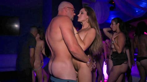 Super Hot American Slut Gets Fucked Hard At The Party