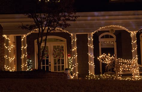 how to wrap christmas lights christmas porch decorations