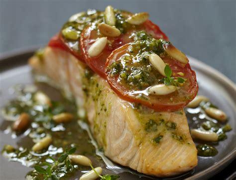 recette de cuisine saumon pavé de saumon à la tomate et au pesto recettes femme