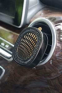 Diffuseur De Parfum Voiture : diffuseur parfum voiture excellent offre niki diffuseur parfum voiture glit blanc recharge ~ Teatrodelosmanantiales.com Idées de Décoration
