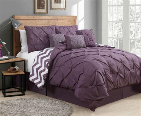 idees pour la decoration dune chambre gris  violet