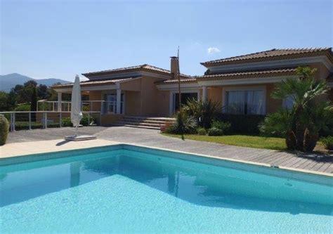 Louer une villa en Corse du Sud pour les vacances : un luxe à portée de main