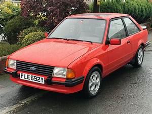 Ford Escort Xr3i : 1983 ford escort xr3i 1 6 mk3i in red fully serviced new ~ Melissatoandfro.com Idées de Décoration