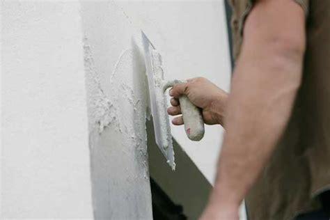 enduire un mur comment faire a quel prix