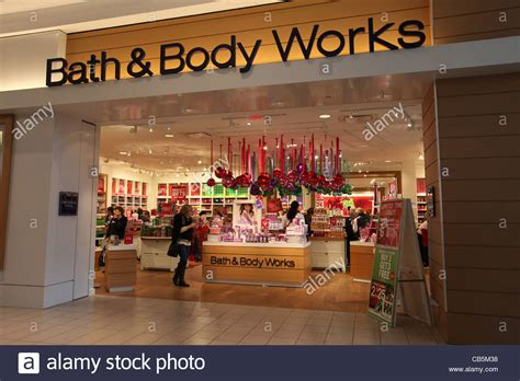 bath  body works store christmas decoration  fairview