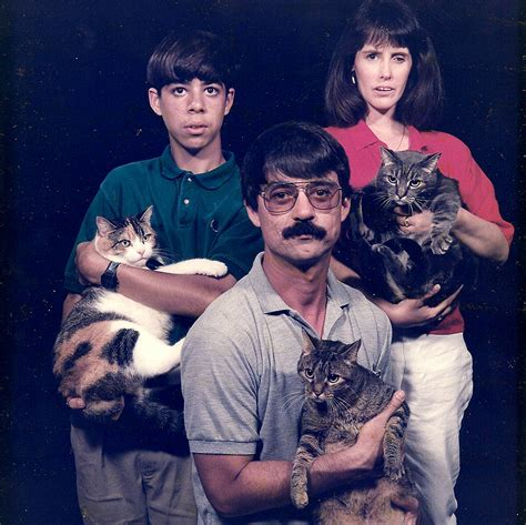 21 of the Most Awkward Family Pet Photos of All Time
