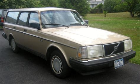classic  volvo  station wagon  speed manual