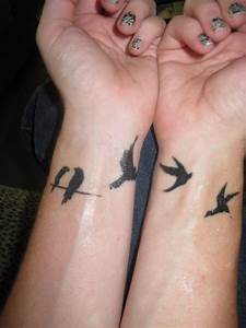 30 Small Tattoos for Girls Design Ideas | Small bird ...