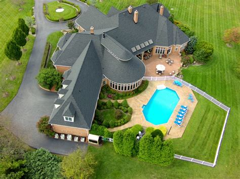The Complete Guide To Using Drones For Real Estate Marketing