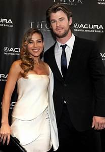 Chris Hemsworth U0026 39 S Wife Elsa Pataky Appeared In  U201cthor 2 U201d Kissing Scene