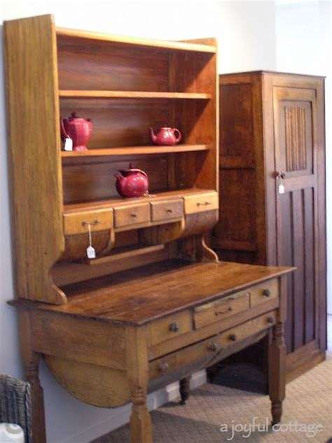 Possum Belly Cabinet Plans by This Possum Belly Possum Belly Bakers Table