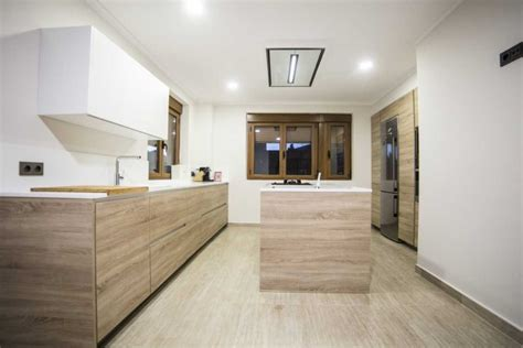 cocinas de madera modernas cocina moderna  isla color