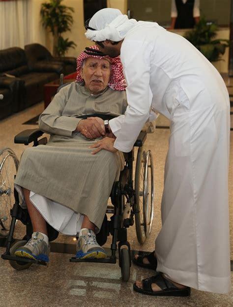 alumni association visit elderly care center