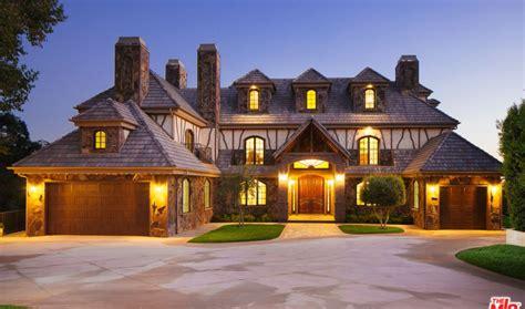 square foot mansion  pasadena ca homes   rich