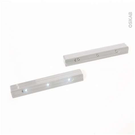 eclairage tiroir cuisine clairage pour cuisine clairage plan de travail une